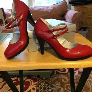 Red  heels by VOLATILE Sz 6